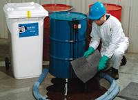 Kit assorbenti per oli, refrigeranti, solventi e acqua